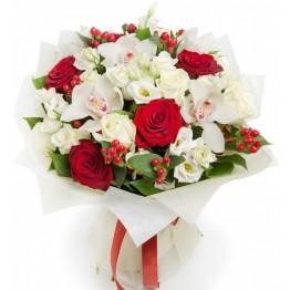 Букет з орхідей, троянд та еустом