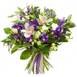 Букет з 4х сортів квітів