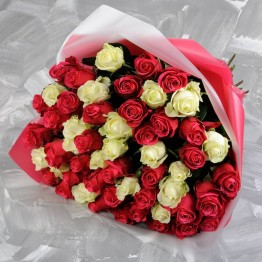 55 троянд 60-70 см