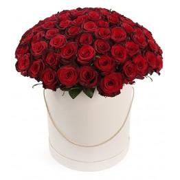 101 троянда в коробці