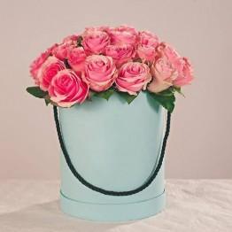 25 троянд в коробочці